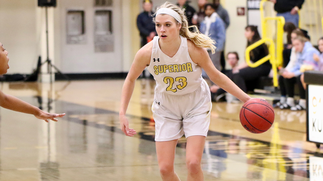 'Jackets Nipped by Bethany Lutheran as Reinertsen Reaches 1,000 Points
